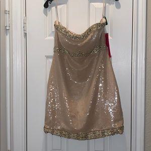 Mori Lee Size 10 Gold Dress